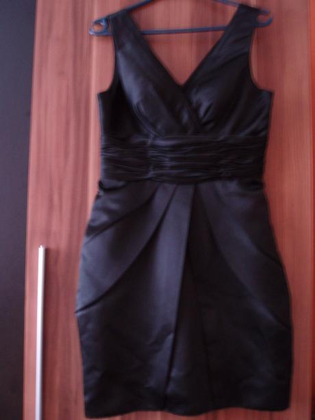 Nenosené šaty , 38