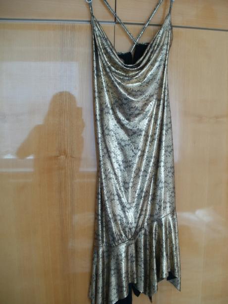 Krátke zlato-čierne šaty, 36
