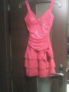 Ružové šaty, S
