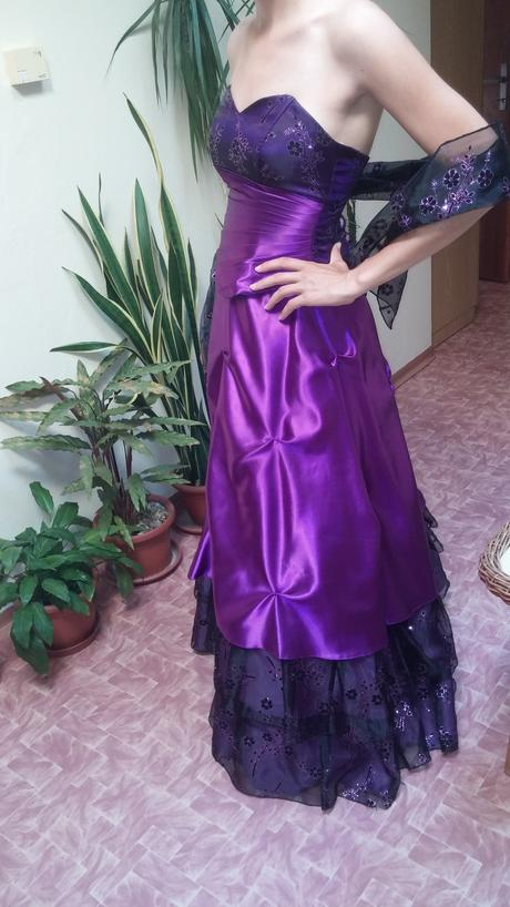 dlhé spoločenské fialové šaty, 36