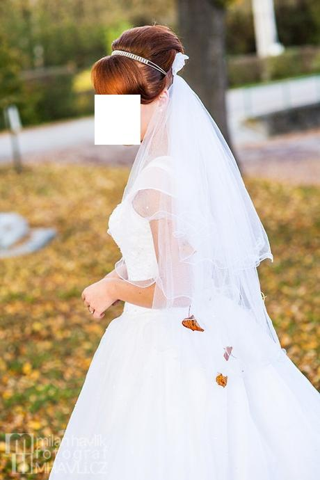Svatební šaty s rukávky, 40