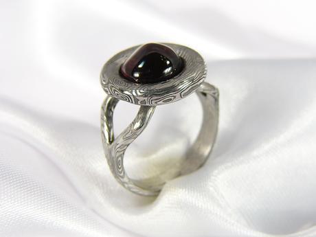 Designový prsten Homolis z damasteel,