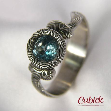 Medurin ručně kovaný prsten z damascénské oceli,
