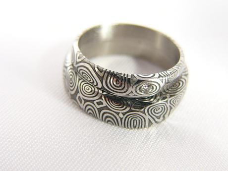 Pár snubních prstenů Wavereyes s diamantem,
