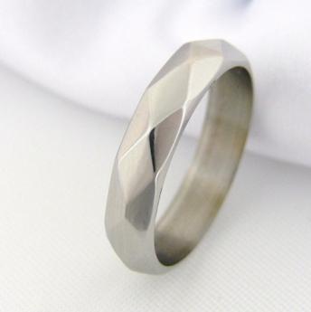 Pár snubních prstenů Yvrocher z chirurgické oceli,