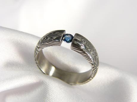Prsten Airfrodir z damascénské oceli,