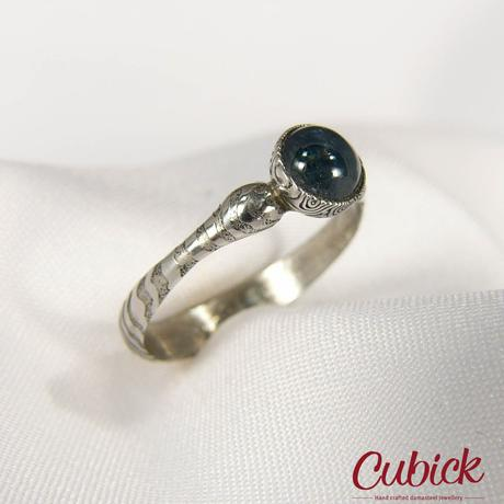 Prsten Bluderin kovaný z damašské oceli,