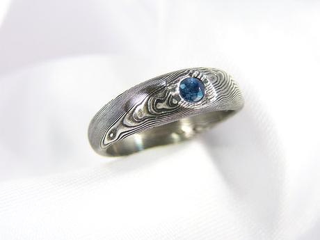 Prsten Safirus z damašské oceli ,