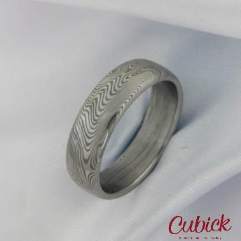 Prsten Theoden z damašské oceli,