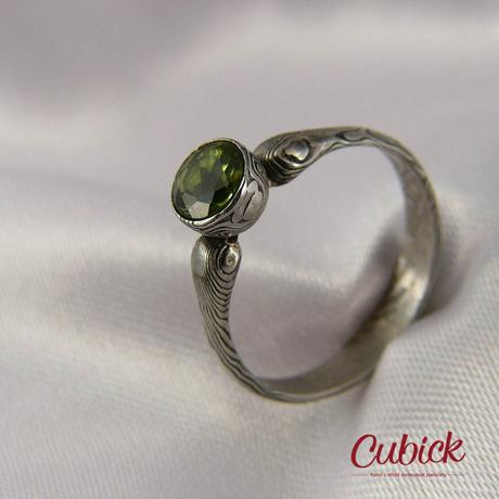 Ručně kovaný prsten Verderin z damascénské oceli,