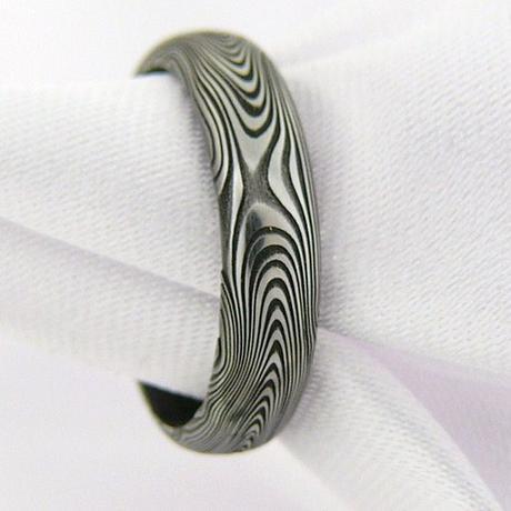 Snubní prsteny Faramir z damascénské oceli,
