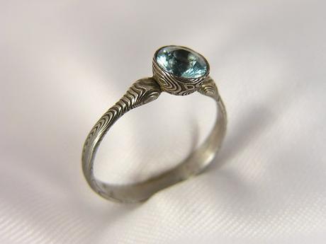 Zásnubní prsten Indigin z damašské oceli,