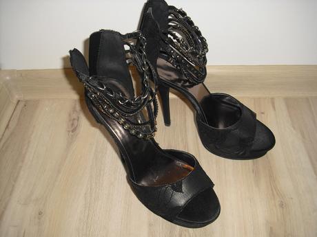 Sandále nenosené, 38