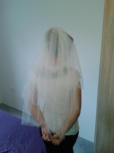 3vrstvý svatební závoj,