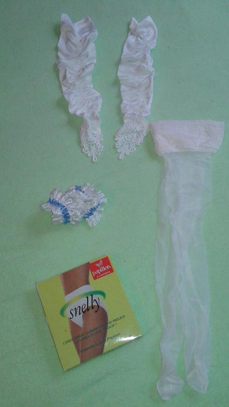 Stahovací italské kalhotky, rukavičky,podvazek. . , M