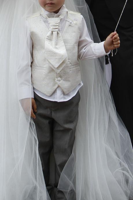 chlapecký oblek 3 - 4 roky, 104