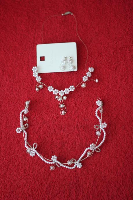 Sada svatebních šperků,