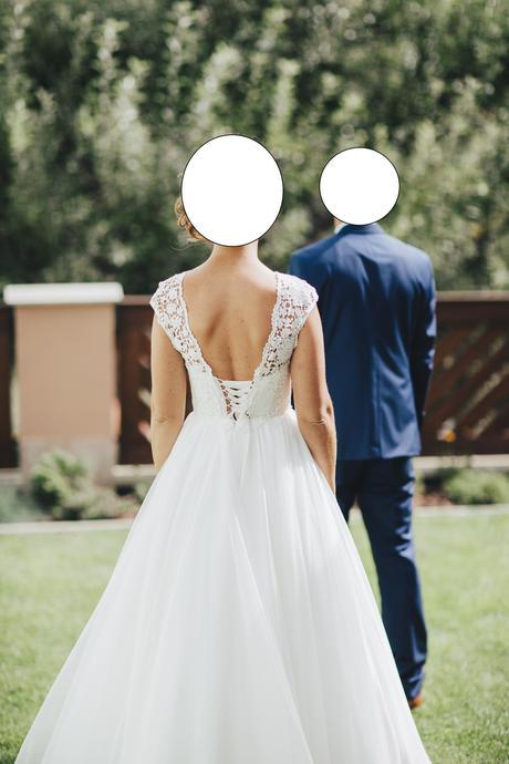 Svadobné šaty s odhaleným chrbátom, 36