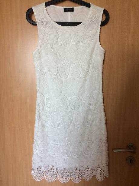 Popůlnoční bílé šaty s krajkou, 36