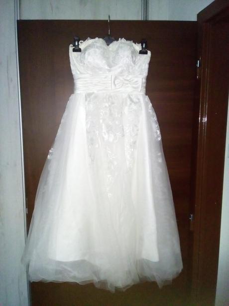 Kouzelné svatební šaty midi délky, 34