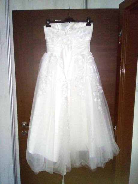Svatební šaty midi délky, 34