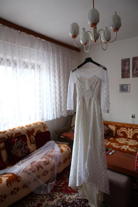 Krajkové svatební šaty s dlouhým rukávem , 36