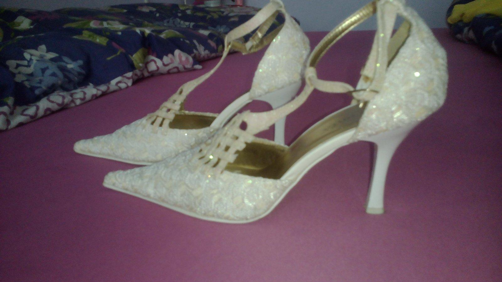 e62303e51e70 Svadobné topánky