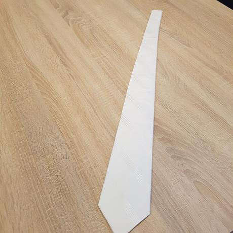 Biela kravata,