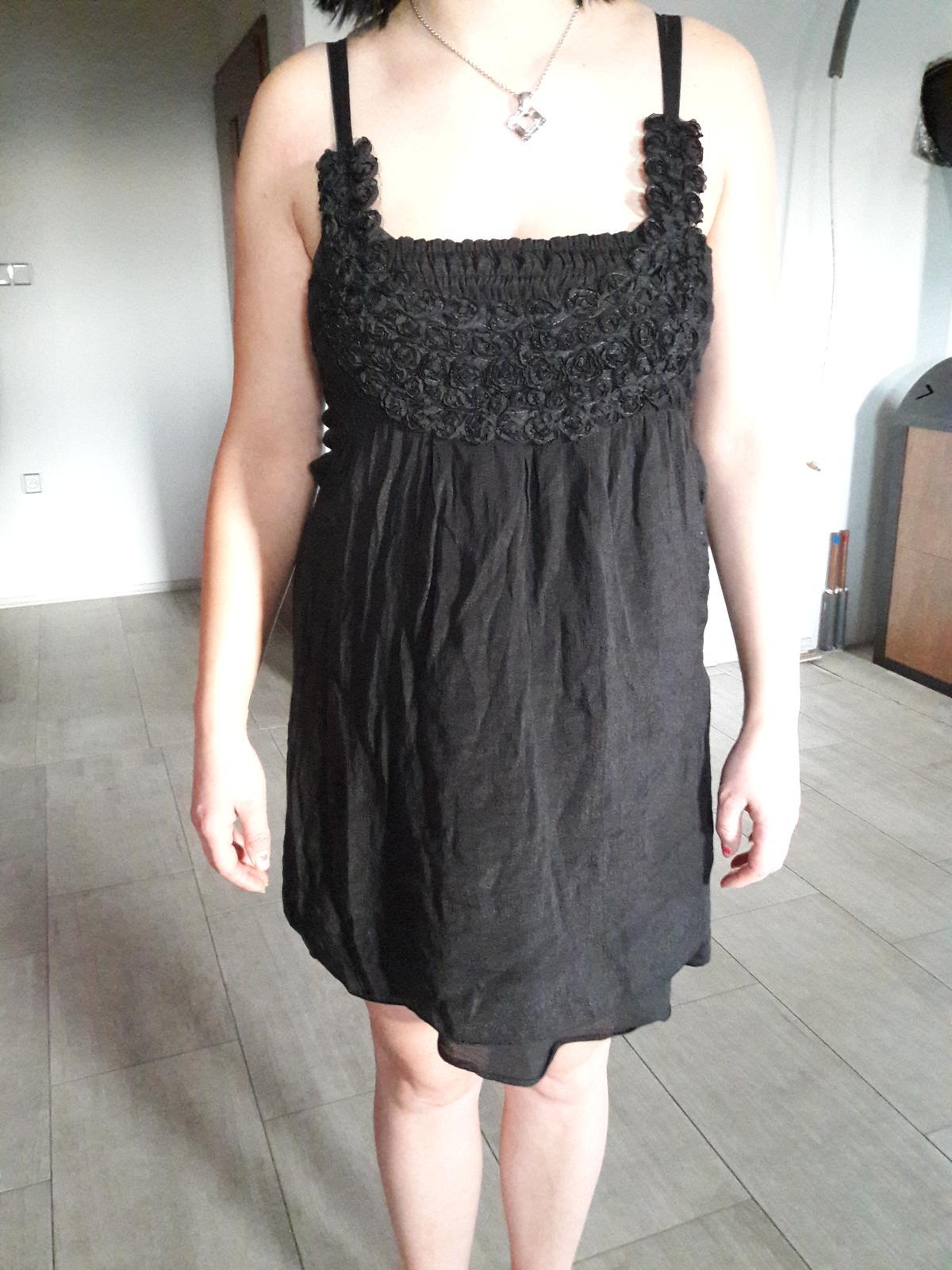 fd9aa12fa998 Černé krátké šaty