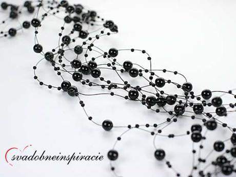 Perlová girlanda - čierna (5 ks),