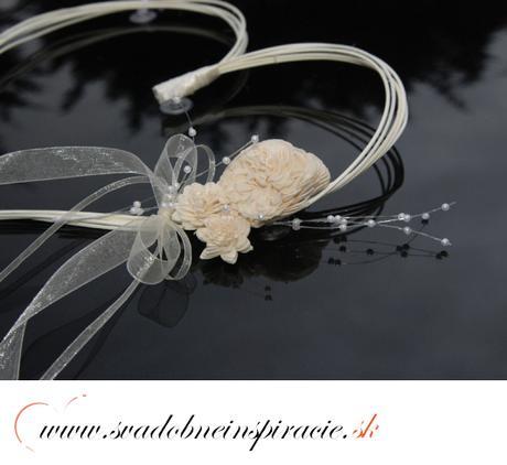 Svadobná ozdoba - Ratanové srdiečka s ružou (2 ks ,