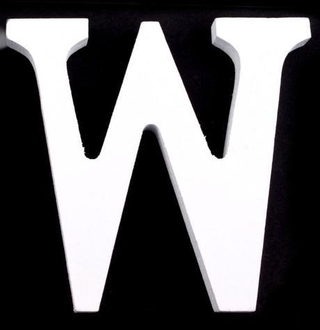 Drevené písmeno W,