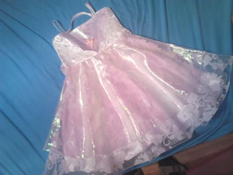 dievčenské šaty s motylmi ,