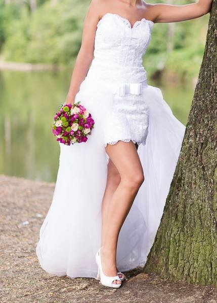 Nevšední svatební šaty 2v1, 38