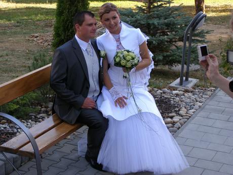Komfortné svadobné šatky, 40