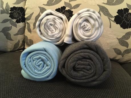 2 plédy pro chladné večery - šedá a modrá,