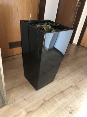 75cm vysoký černý květináč Lechuza Cubico 40,