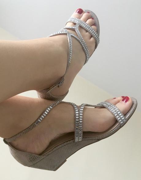 Sandály na klínku, bohatě zdobené kamínky, Humanic, 39