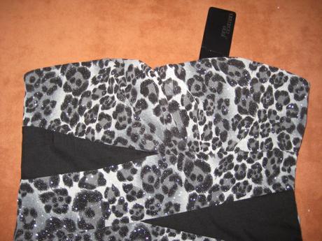 Luxusne šaty + naušničky, 40