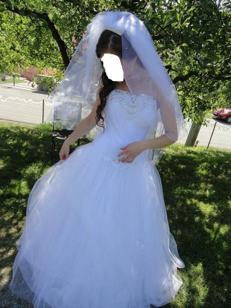 rozprávkové svadobné šaty, 38