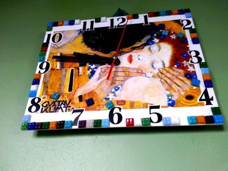 Gustav Klimt Bozk hodiny na stenu.,