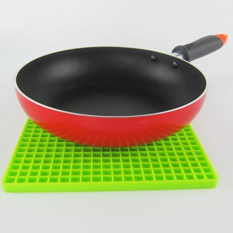 Zelená silikonova podložka.,