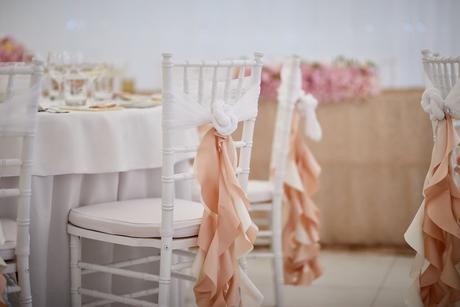 Prenájom dekorácie na stoličku,