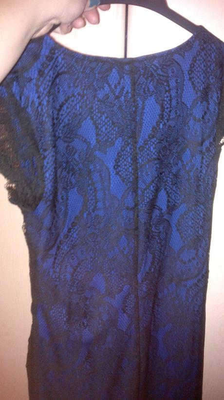 Modro-čierne čipkované šaty, 36