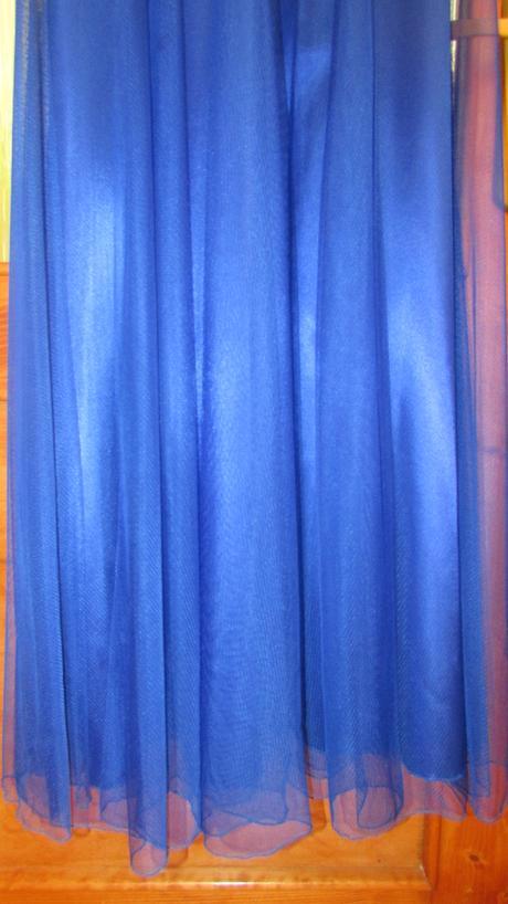 spoločenské šaty kráľovsky modrej farby, 38
