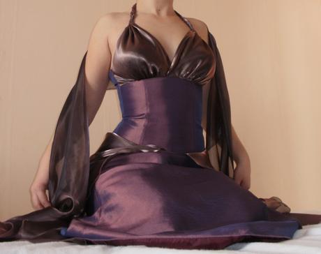 Dlouhé korzetové společenské šaty s šátkem, 36