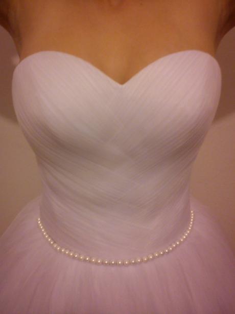 Pohádkové šaty s perličkami, 38