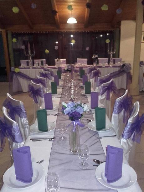 Umelé kytice na svadobnú hostinu,