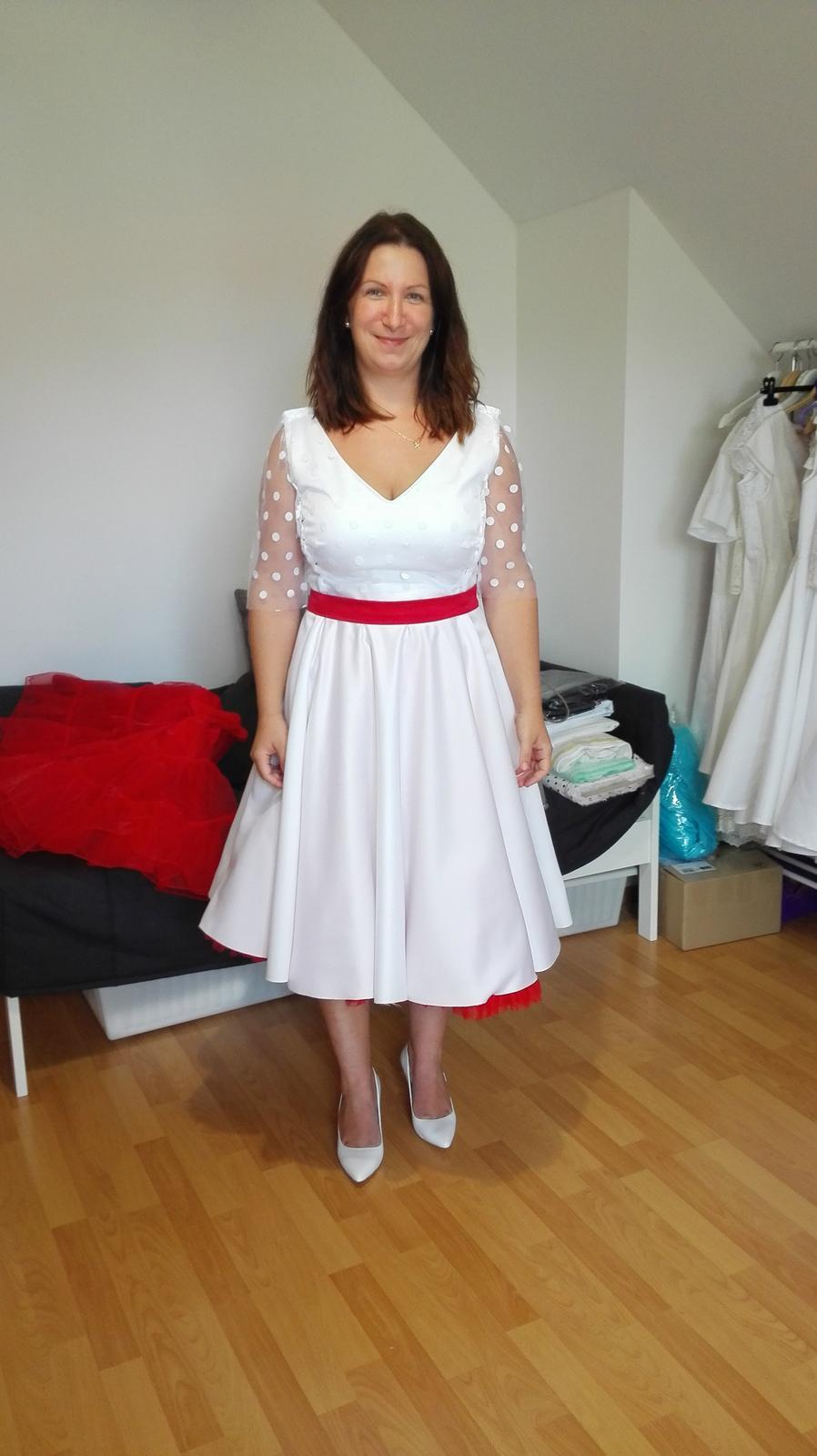 0fdab222e3 Retro svatební šaty z dílny mia bella