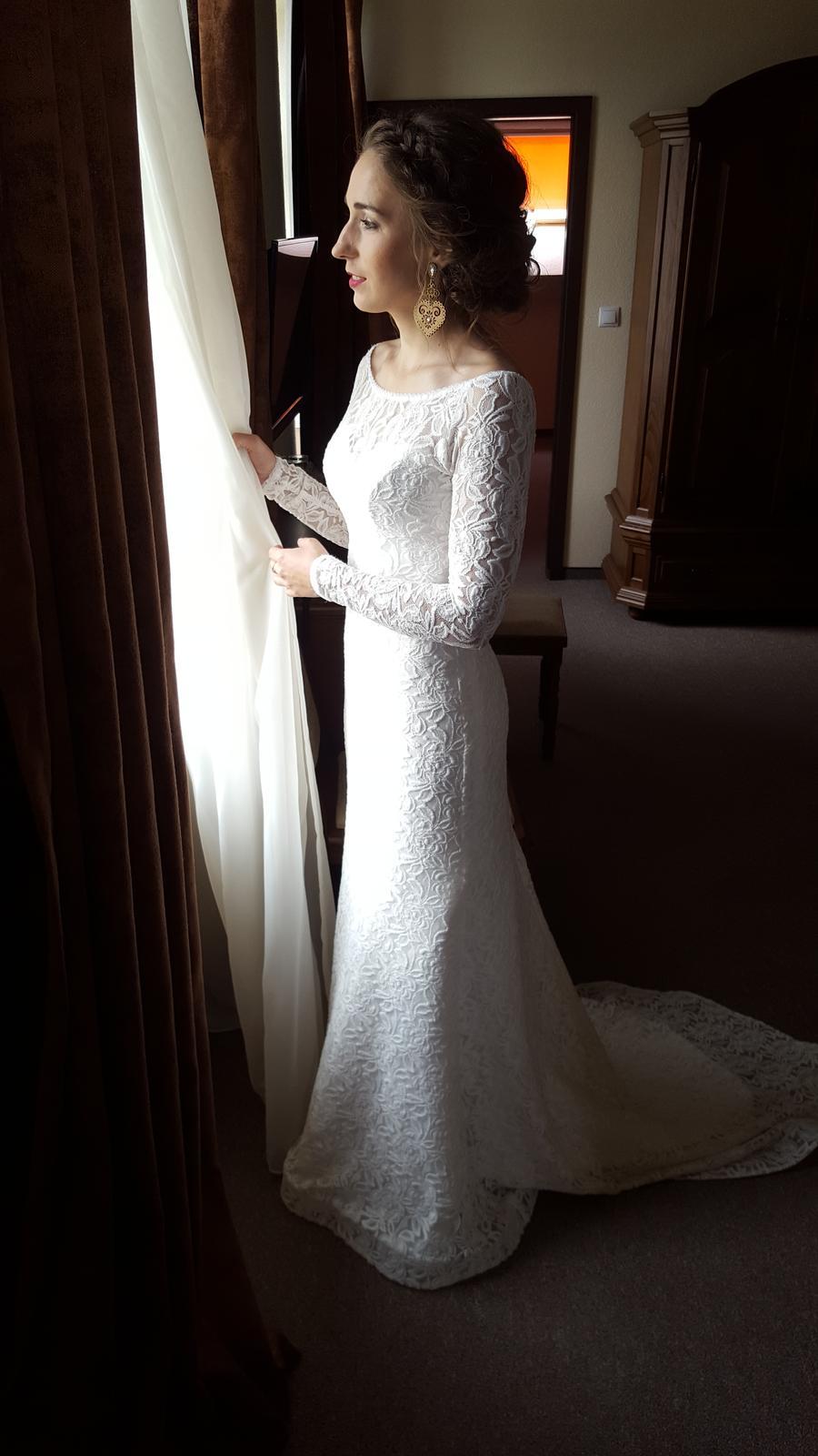 a12b7c9ef532 Romantické čipkované svadobné šaty